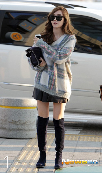 Snsd Best Airport Outfits Of 2013 As Voted By Readers Celebrity Photos Onehallyu