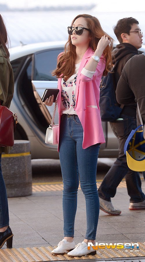 140322-snsd-incheon-airport-to-vietnam065