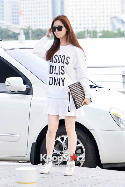 SNSD-Seohyun-airport-fashion-June-4-1